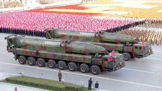 Експерти засякоха самоходна установка за балистична ракета преди парад в КНДР