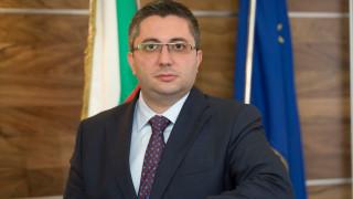 """Нанков изпраща в президентството книгата """"Пътищата на България"""""""