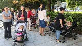 30-тина с протест искат нови детски градини от Столична община
