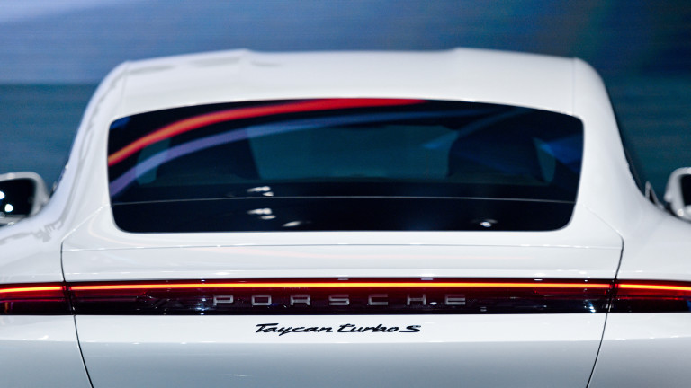 Ще има ли Porsche 911 и през 2030 г.