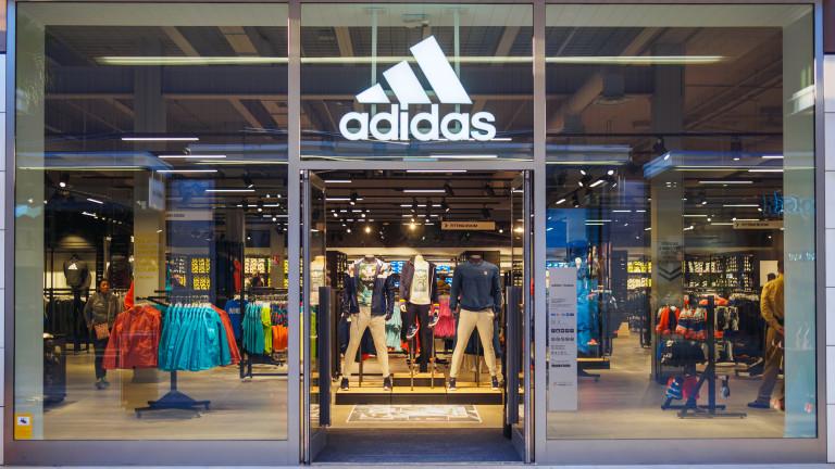 Коронавирусът удари и adidas