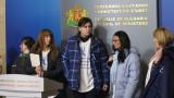 Борисов към медицинските сестри: Няма как рязко да се вдигнат заплатите