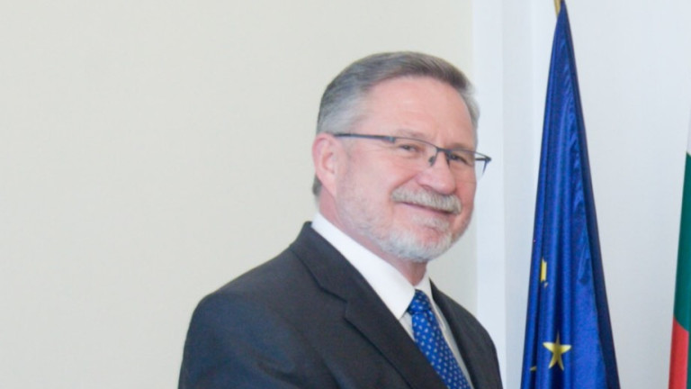 Чуждестранни дипломати учредиха Клуб на посланиците, говорещи български език. Домакин
