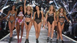 Шоуто на Victoria's Secret в секси снимки