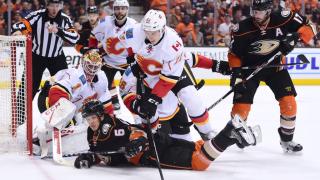 Калгари Флеймс и Тампа Бей Лайтинг оглавиха дивизиите си в НХЛ