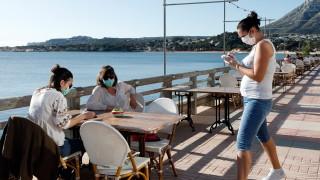 Страната, която посреща повече от 80 милиона туристи всяка година, отваря границите си