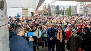 Кметът на Ботевград остава на поста си