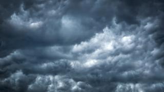 Идват облаци от запад