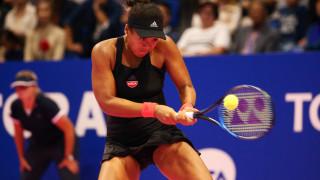 Наоми Осака отпадна след първия си мач в Дубай