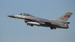 Турция иска от САЩ позволение да купи 40 F-16 и  80 комплекта за модернизация на наличните