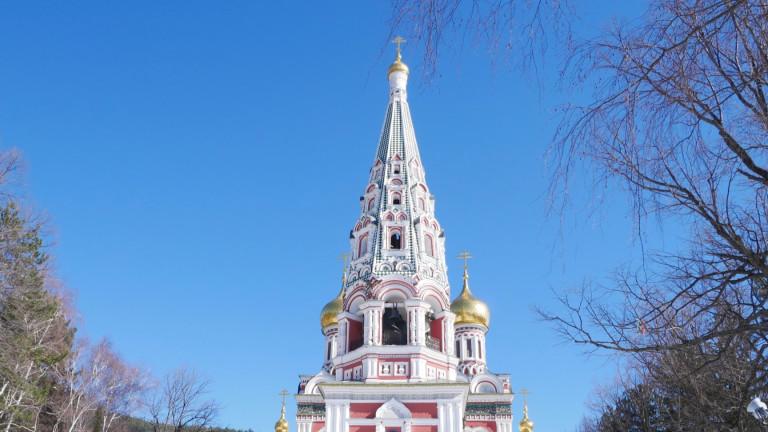 """Руши се 53-метровата кула на шипченския манастир """"Рождество Христово"""""""