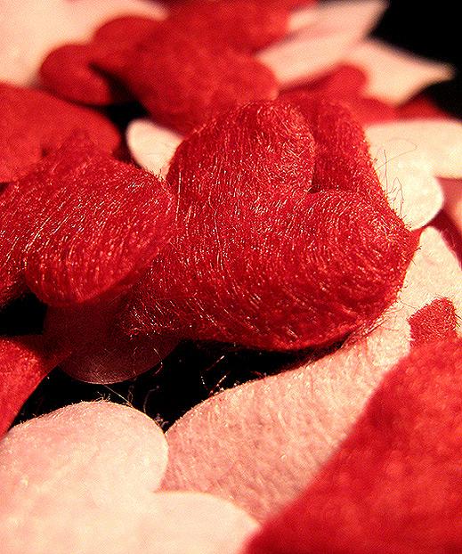 Мъжете харчат два пъти повече за св. Валентин от жените