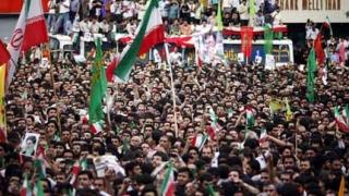 Иран забрани 3 вестника, критикували Ахмадинеджад