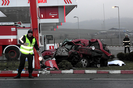 10 ранени по пътищата за денонощие
