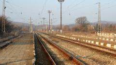 Продължават протестите на железничари и производители на зърно