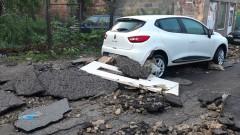 Продължава възстановяването на домовете след наводнението в гр. Котел