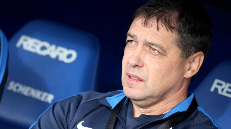 Петър Хубчев търси централен защитник
