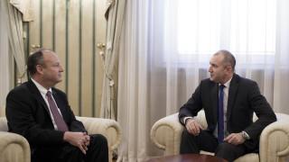 Радев нищи стратегическото партньорство между България и САЩ с посланика им