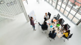 Заплатите в аутсорсинг сектора изпреварват значително средните