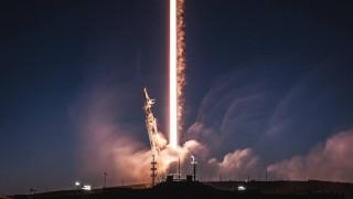 SpaceX изстреля първите интернет сателити