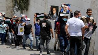 Русия и Иран се борят за влияние и военни трофеи в Сирия