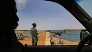 Африканският съюз иска разширяване на  операцията в Мали, напрежението расте