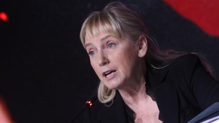 Йончева обвини Борисов, че е предал българските превозвачи