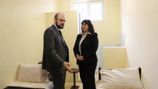 По-добри условия за живот в затворите биха намалили насилието, твърди зам.-министър