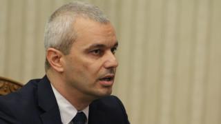 """""""Възраждане"""" издигат Костадин Костадинов срещу Радев"""