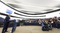 Юнкер призова Европа да помогне на България за бежанците