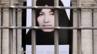 Европарламентът скочи срещу иранските присъди