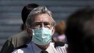 Във Франция забраниха целувките заради свинския грип