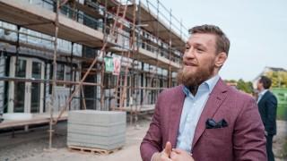 Конър Макгрегър строи домове за бездомни семейства