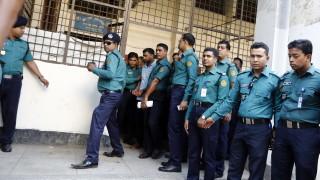 Бангладеш осъди на смърт 7 ислямисти за нападение в заведение през 2016 г.