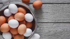 Защо някои яйца са с бели, а други с кафяви черупки
