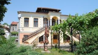 Изграждат улица на занаятите в Бургас