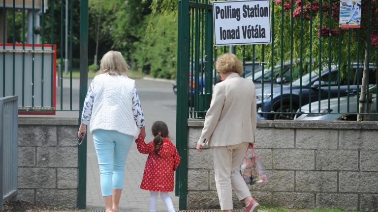 Ирландците улесниха разводите на референдум