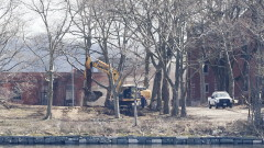 В Ню Йорк погребват в масови гробове починали от новия коронавирус