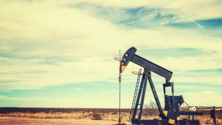 Петролът не успява да поскъпне