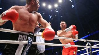 Тежък нокаут спря Пулев в петия рунд срещу Кличко