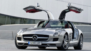 Mercedes разсекрети SLS AMG