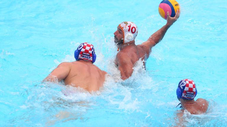Хърватия е първят четвъртфиналист на Европейското по водна топка