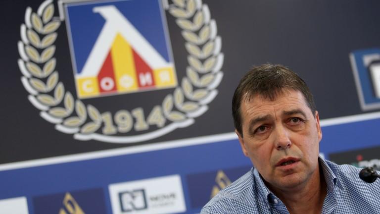 Хубчев си постави амбициозна цел, иска да убеди Тодор Неделев да заиграе в Левски