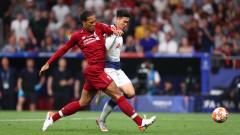 Ливърпул удвоява заплатата на Ван Дайк