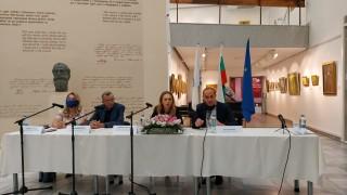 Интересът на чужденците към здравния туризъм у нас е голям, отчете Николова