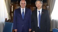 Световната икономика и реформите на Китай обсъди управителят на БНБ с И Ган