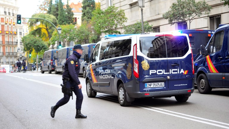 Испански съд остави в ареста бивши лидери на Каталуния