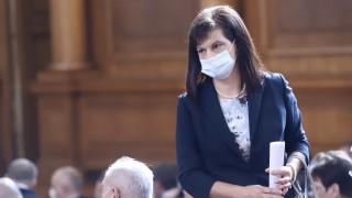 Дариткова уверява, че няма да позволят България да заприлича на БСП