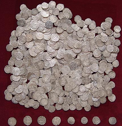 Уникални монетни съкровища влизат в НИМ