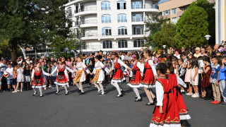 Кметове от Кърджали искат подобрени условия за изучаване на турски език